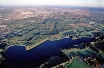 Die Stadt Osnabrück mit Heger Holz und Rubbenbruchsee
